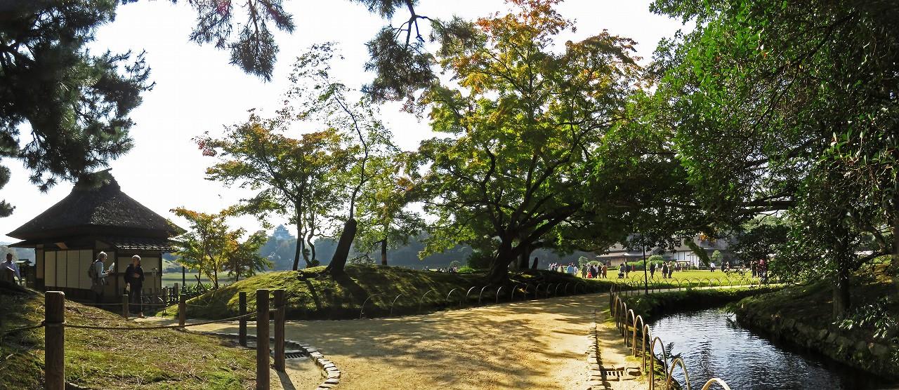 s-20161105 後楽園今日の園内水車付近から眺めたワイド風景 (1)