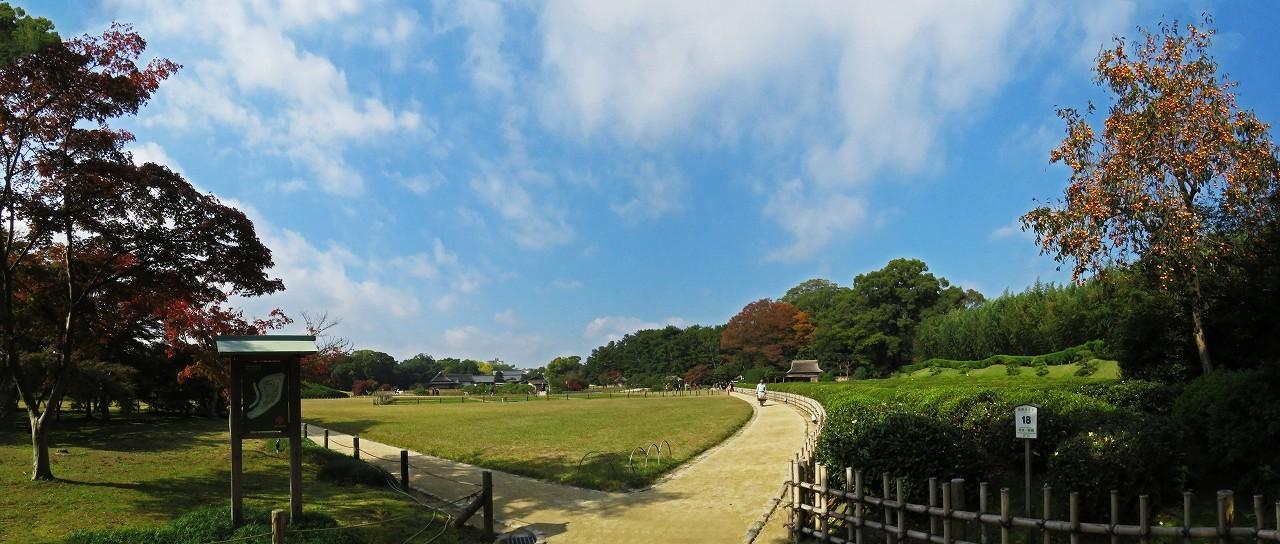 s-20161111 後楽園今日の園内新殿付近からの眺めワイド風景 (1)