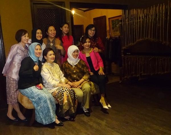 DSC07523大使館職員婦人