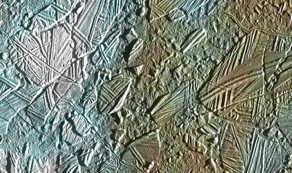 132227069361613213003_Europa-icebergs-1024x610.jpg