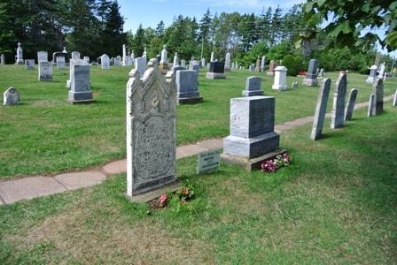 ○モンゴメリの祖父母の墓