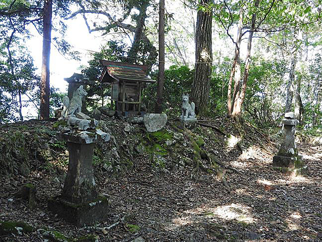 e 臼杵神社