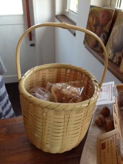 パンin竹篭