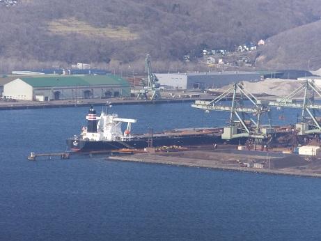 6新日鉄埠頭の船