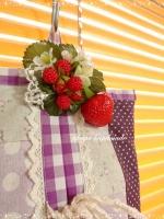 苺コサージュ 飾る