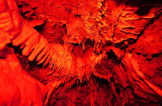 竜ヶ岩洞・鳳凰の間