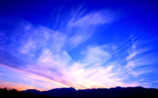 中央アルプスを彩る夕雲