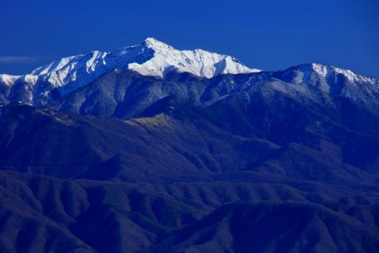傘山から望む塩見岳