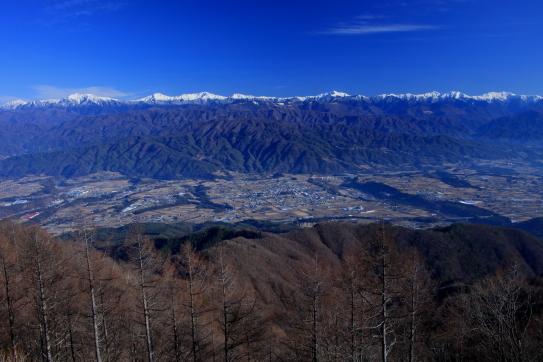 傘山から望む伊那谷と南アルプス大観