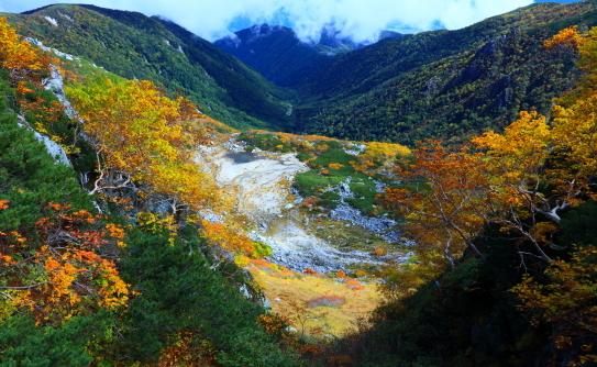 12-錦秋の中央アルプス伝説の濃ヶ池