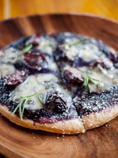 桃の家 ラ・ペスカ ぶどうのピザ