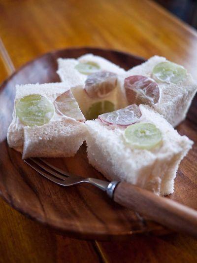 桃の家 ラ・ペスカ ぶどうのサンドイッチ