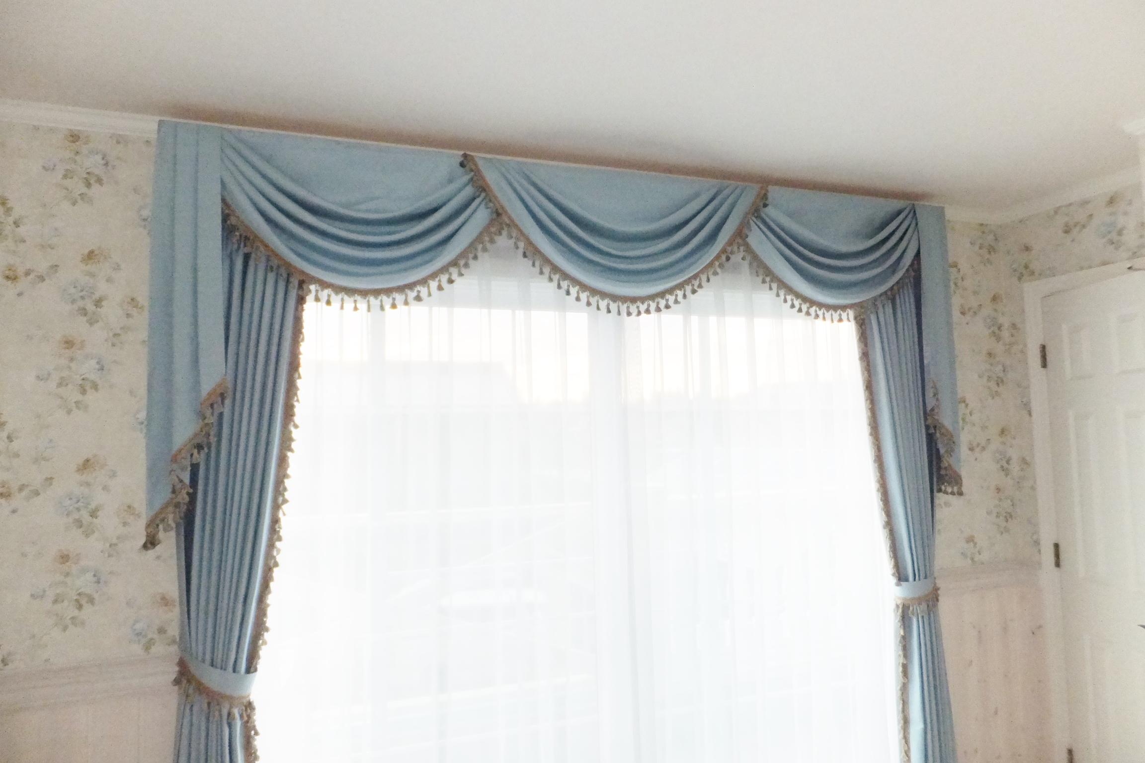 ベッドルーム掃き出し窓カーテンバランス2016.08