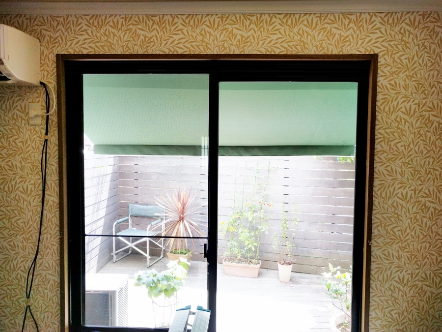 カーテンレール取付前の掃出し窓