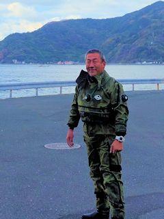 s潜闘Dryスーツ