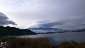 笠をかぶった富士山