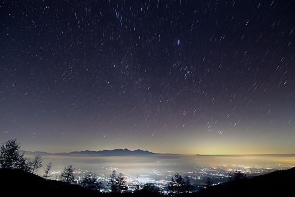 20161104_入笠山から見た八ヶ岳と昇る冬の星座