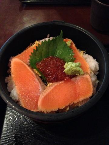 鮭いくら丼 (コピー)