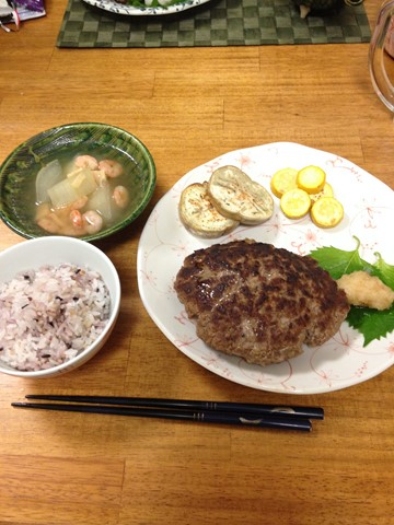 手作りハンバーグ (コピー)