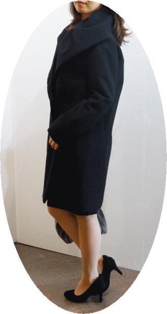 ミキミアリーのボリュームカラーのコート