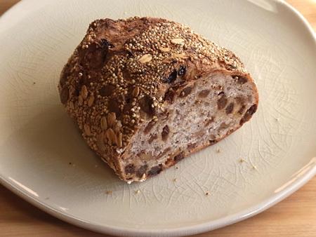 THE MARKET 天然酵母パン フルーツシリアル