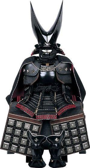 蒲生氏郷(1556-1595)の黒漆塗燕尾形兜(通称銀鯰尾兜)