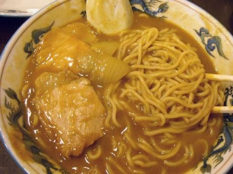 大黒亭 松屋小路店・H27・12 カレーそば 麺