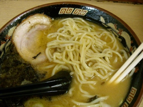 しみず神田店・H28・2 とんこつ正油味玉 麺