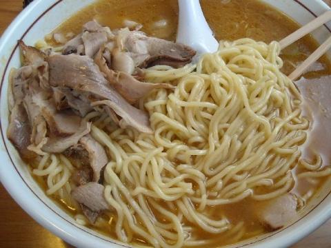 ひぐま本店・H28・4 味噌らーめん特盛 麺