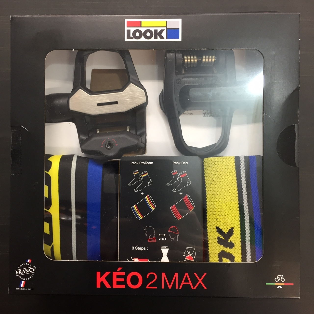 LOOK-KEO2-MAX-Xmas-1.jpg