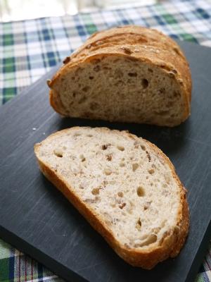 もち麦全粒パン