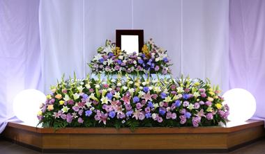 花祭壇 紫 やすらぎ会館 豊川 花屋 花夢