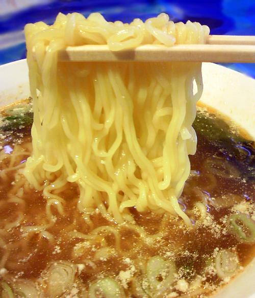 タイラーメン麺2
