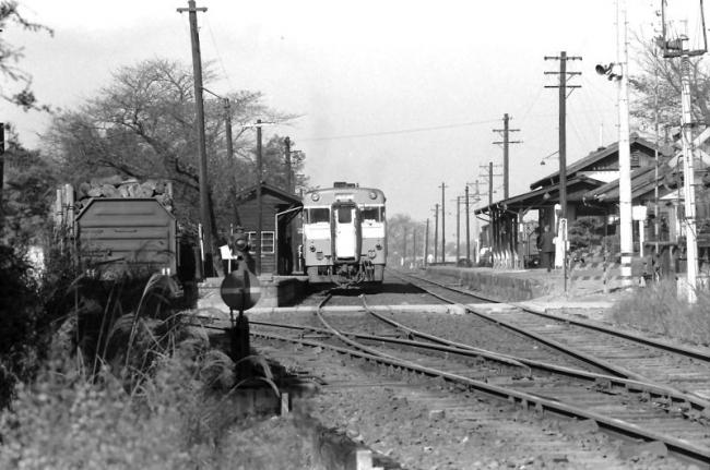鉄道写真と鉄道サウンドを楽しむブログ スポンサーサイト  近鉄生駒ケーブル 梅屋敷駅  和歌山線掖上駅