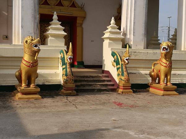 ラオス お寺