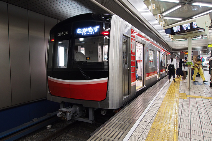 20161022_osaka_city_subway_31000-02.jpg