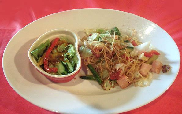 20160807 Jazz38 キャベツ夏野菜とベーコンのパスタ 21㎝13040000