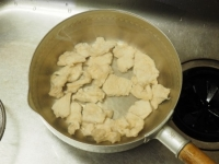 鶏むね肉とアボカドの刺身風13