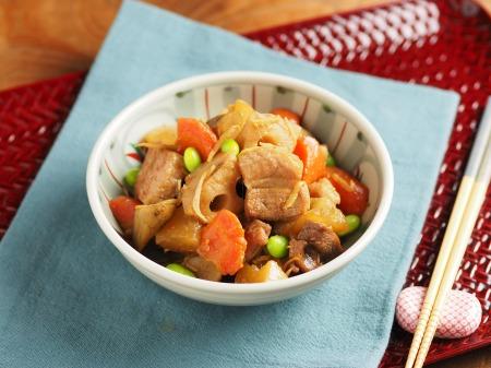 秋の根菜と豚ばら肉の煮物46