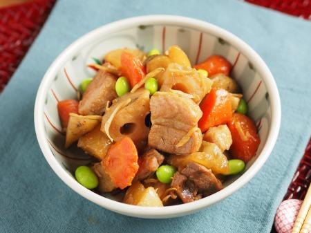秋の根菜と豚ばら肉の煮物28