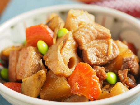 秋の根菜と豚ばら肉の煮物44