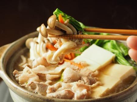 豚こま肉とチンゲンサイの麺つ32