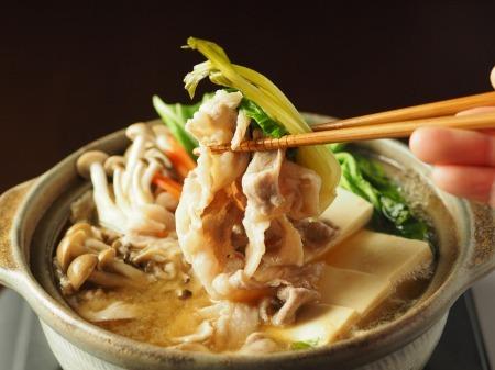 豚こま肉とチンゲンサイの麺つ36