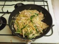 豚ばら肉と水菜のぽん酢パスタ18