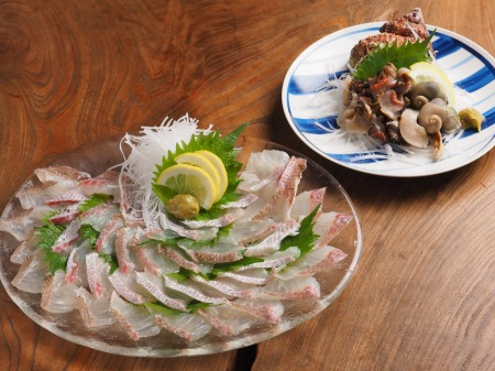 鯛とさざえの刺身、海鮮味噌45