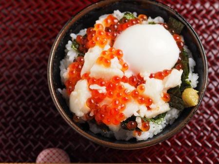 たたき長芋のイクラ丼12