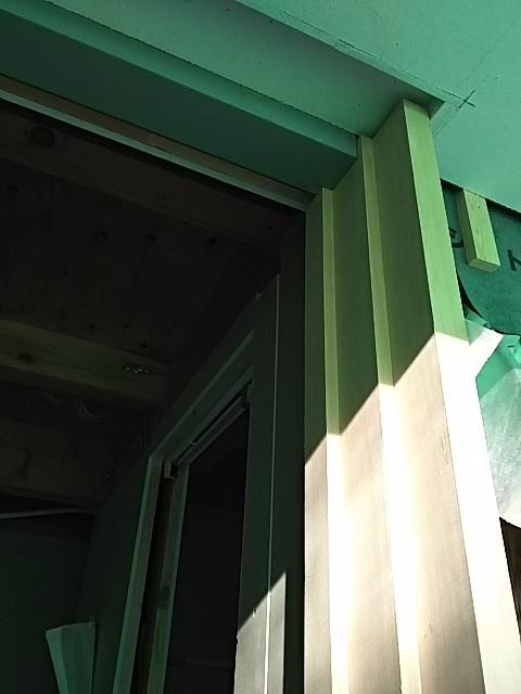ピーラー玄関枠