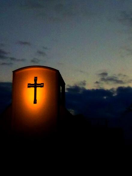 教会と夕空