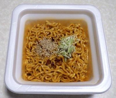 11/21発売 厚切太麺 シビれる辛さと濃厚ダレの汁なし担担麺 大盛り(できあがり)