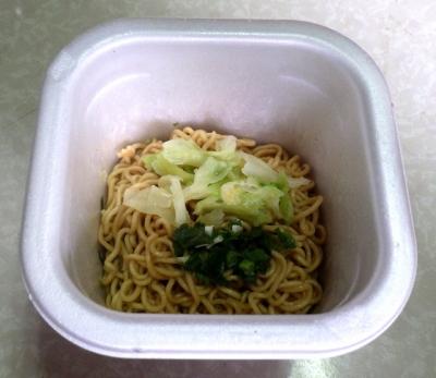 3/28発売 JANJAN 鶏しお味焼そば レモン風味(できあがり)